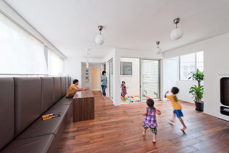 La casa con lo scivolo progettata da Level Architects